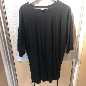 Black short sleeve long tee